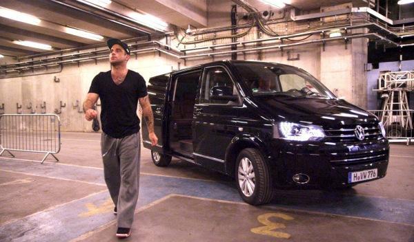 Robbie Williams y la Volkswagen Multivan