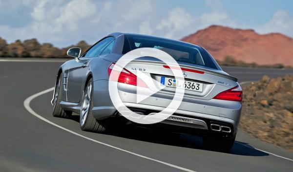 Mercedes SL63 AMG vs Yamaha R1 a 300 por una vía secundaria