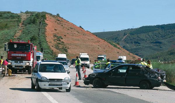 Un kamikaze fallece en Toledo tras chocar contra un coche