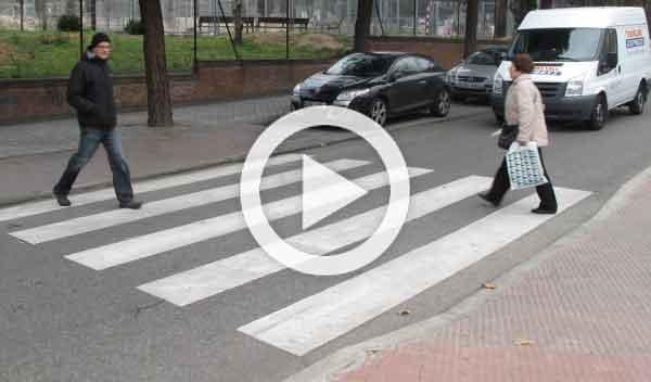 Vídeo: si conduces por Rusia, cuidado con las abuelas...