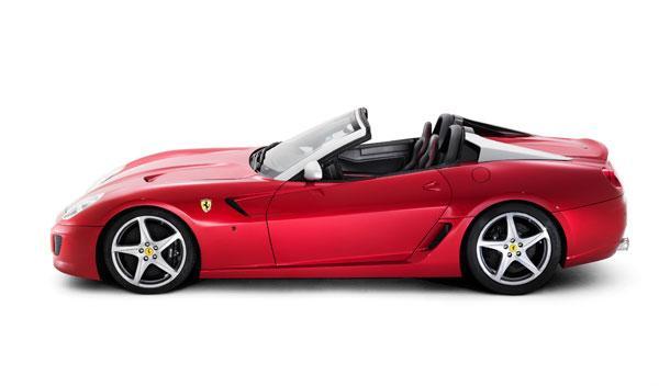 Su motor V12 ofrece 670 CV de potencia