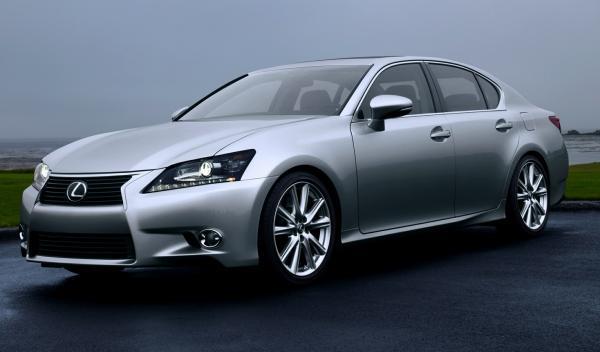 Lexus GS frontal
