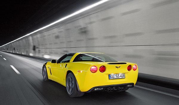 chevrolet-corvette-grand-sport-v8-dinamica-trasera