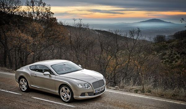 bentley-continental-gt-2011-estatica-frontal
