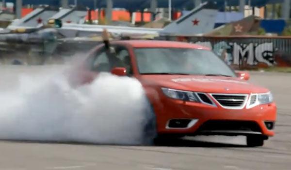 Las diabluras del equipo acrobático de Saab