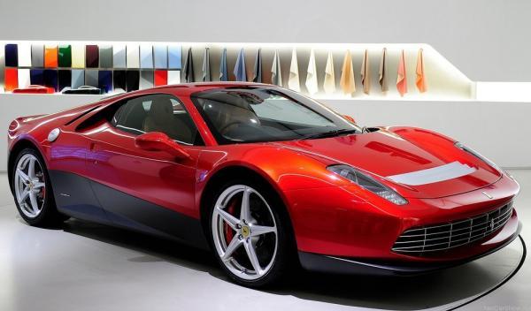 Ferrari SP12 EC delantera