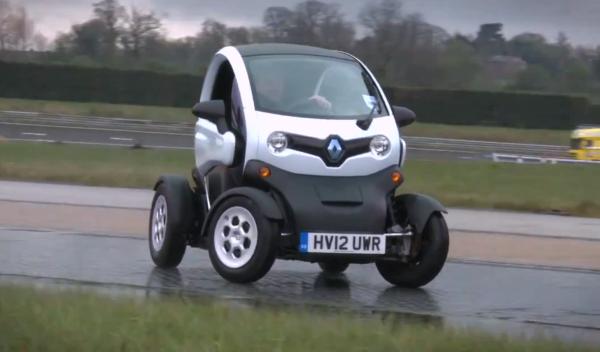 Drift con el Renault Twizy: ¿los eléctricos son divertidos?