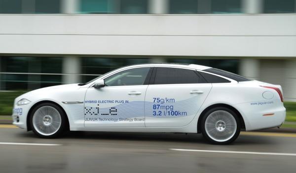 Jaguar XJ_e: con motor híbrido enchufable