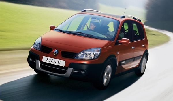 Renault Scénic Cross: cazado por primera vez