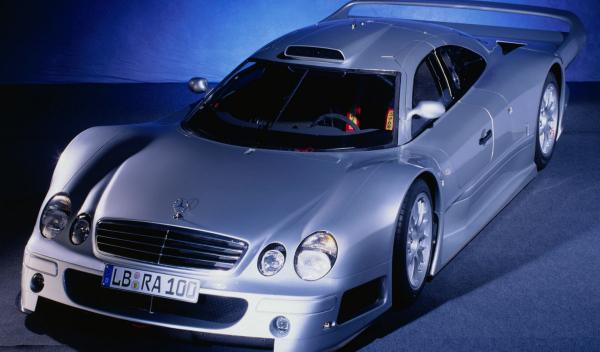 Venden por Internet un exclusivo Mercedes CLK GTR AMG