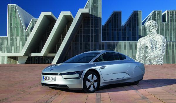 El Volkswagen XL1 vista delantera tres cuartos