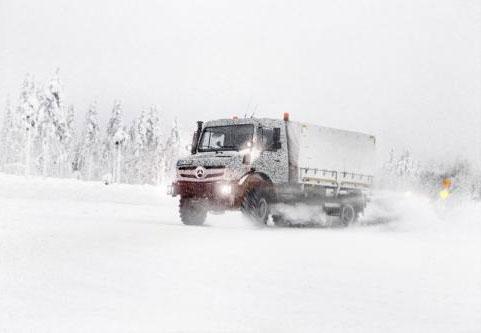 Mercedes Unimog y Econic 2014: fotos 'espía' oficiales