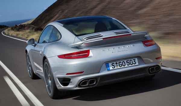 Porsche 911 Turbo y Turbo S trasera