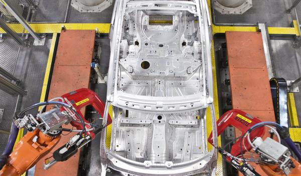 Fábrica de Land Rover en Solihull, el templo del aluminio