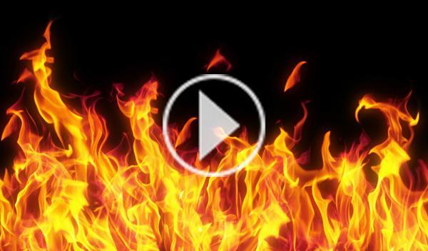 Drifting entre bolas de fuego con un Ford Mustang