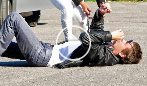 Vídeo: un hombre, atropellado por un Ferrari en Moscú