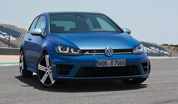 Volkswagen Golf R VII frontal