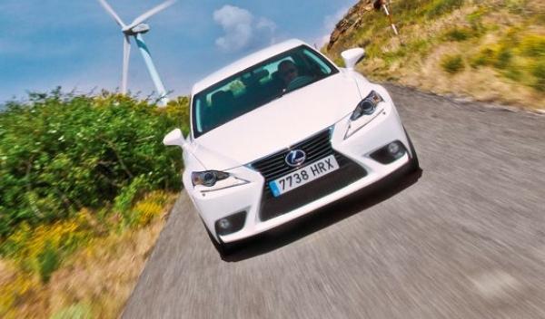 Lexus IS 250 2013: no solo híbridos en la gama