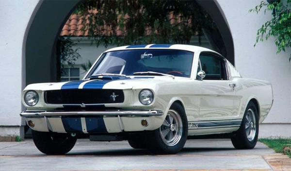 Protagonista de 'Alerta Cobra' escapa de Mustang ardiendo