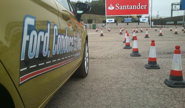 La Escuela de Conducción Ford instruye a 400 jóvenes