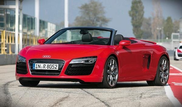 Una mujer gana un Audi R8... y se vuelve 'loca'
