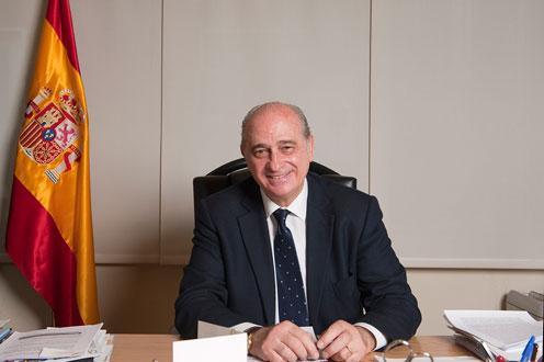 El ministro del Interior rechaza retirar el carné por vida