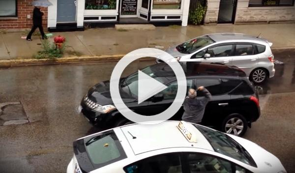 Mala idea: intentar darse a la fuga tras darle a un taxista
