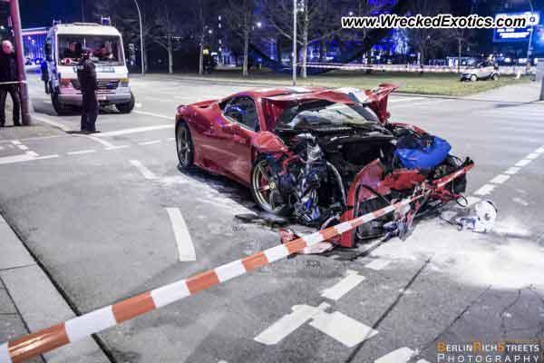 Ferrari 458 Speciale destrozado