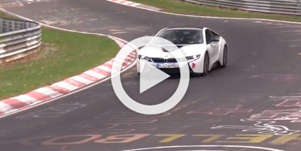 Vídeo: un BMW i8 'se rompe' en Nürburgring
