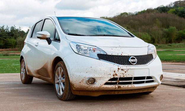 Nissan desarrolla el primer coche que se limpia solo