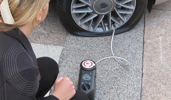 Vídeo: cambian las cuatro ruedas sin parar el coche