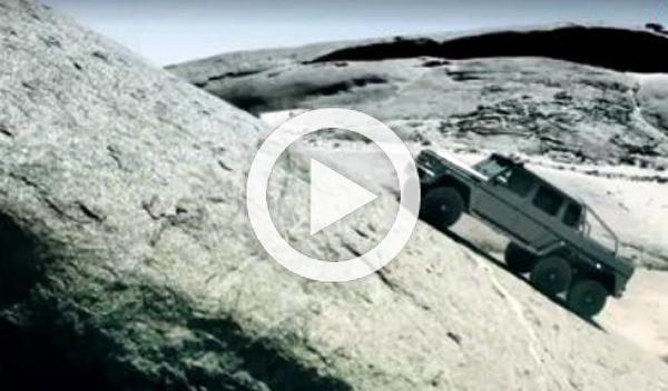 El todopoderoso Mercedes G63 6x6, 'atrapado' en una playa