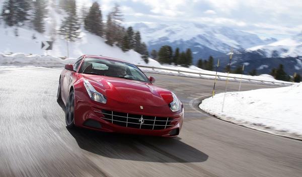 Descubre todas las fotos del Ferrari SP FFX