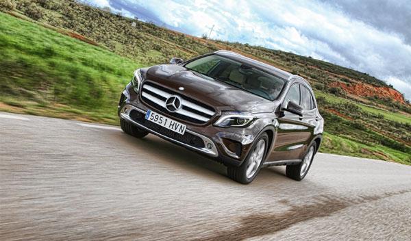Mercedes GLA 220 CDI 4Motion delantera