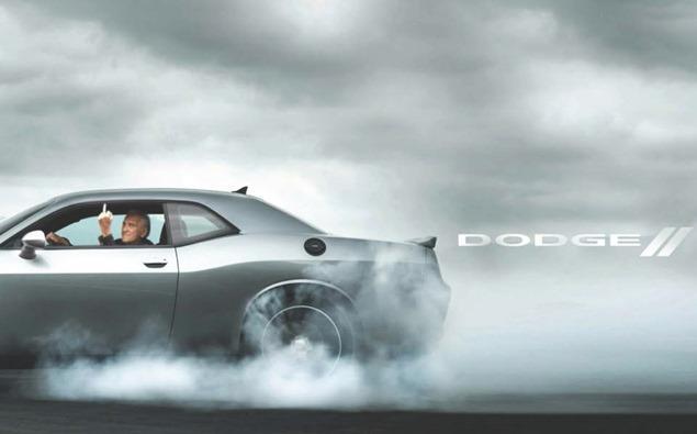 Dodge le saca el dedo a Volkswagen