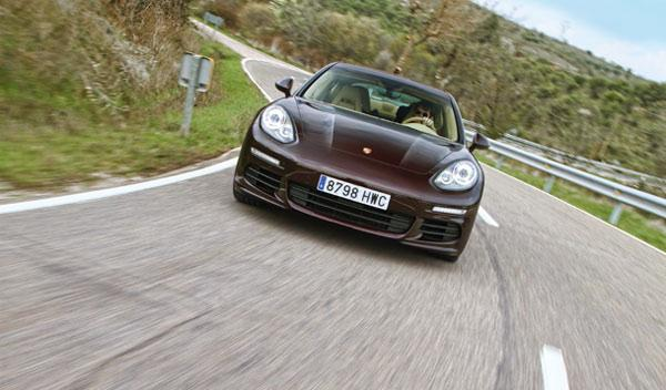 Frontal del Porsche Panamera Diesel