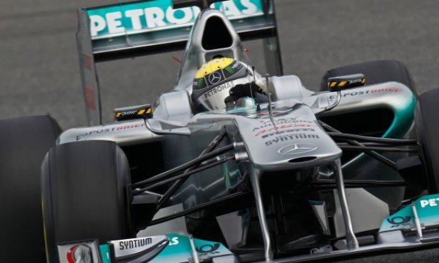 Nico Rosberg y Lewis Hamilton enseñan su centro de pruebas
