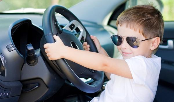 Un niño de 12 años detenido en dos coches robados