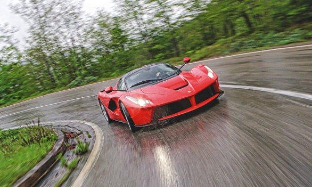 Primer choque del Ferrari LaFerrari en Mónaco