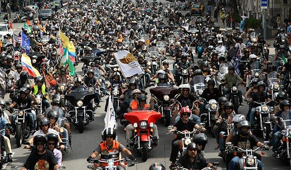 12.000 motos en la despedida de Barcelona Harley Days 2014