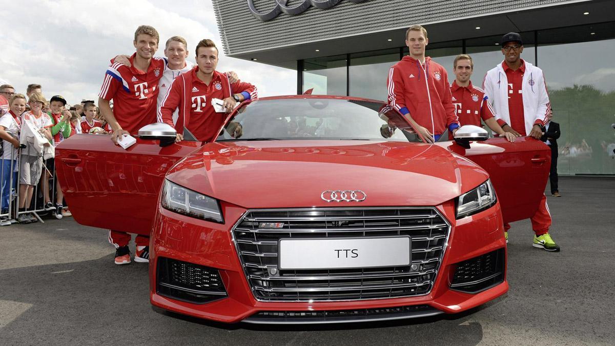Jugadores Bayern de Múnich coches Audi tts