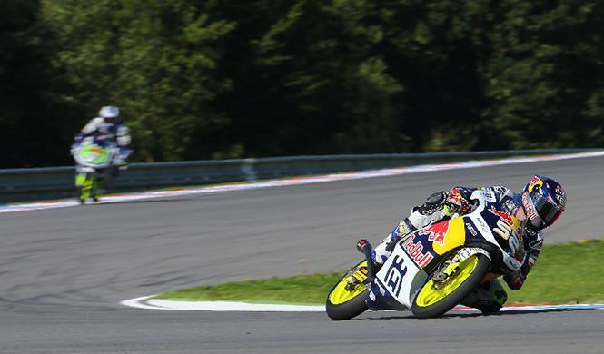 Libres 2 Moto3 GP Gran Bretaña: los españoles mejoran