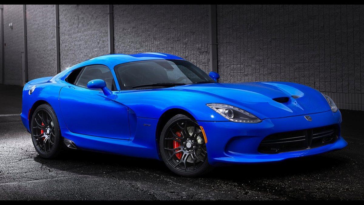 Delantera del Dodge Viper SRT 2015