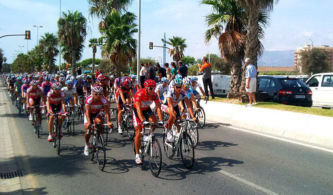 Motorista de la Guardia Civil muere en la Vuelta Ciclista