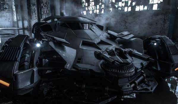 Desvelado el nuevo Batmóvil de 'Batman vs Superman'