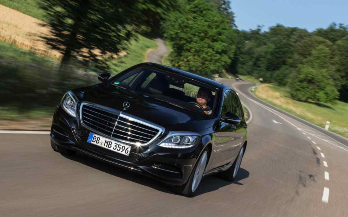 Mercedes S 500 Plug-In Hybrid delantera