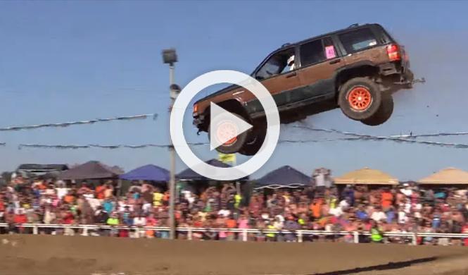 Vídeo: destroza su Jeep tras un espectacular salto