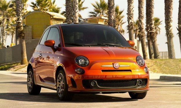 Los 10 coches que más atraen a las chicas