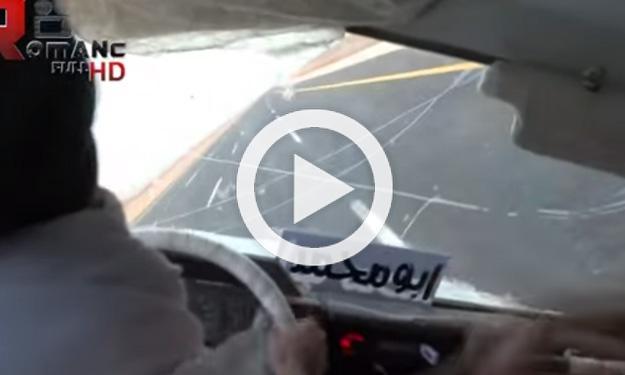A 200 km/h y a dos ruedas con un Toyota Land Cruiser