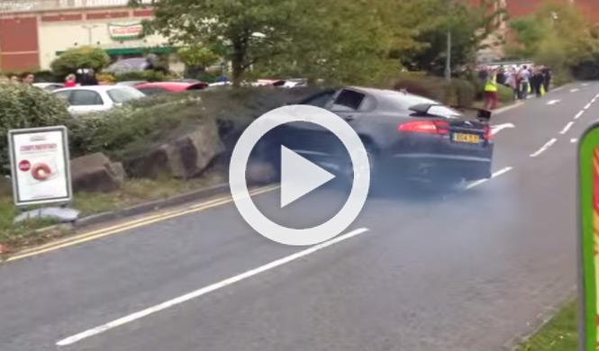 Accidente de un Jaguar XFR-S en un encuentro de la Gumball